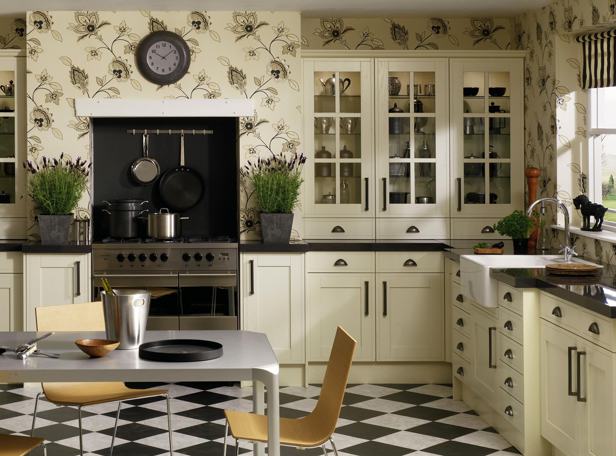 Всё, что нужно знать об обоях для кухни: выбор, особенности, модные тенденции
