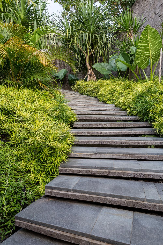 Балийское уединение: фото-тур по дому в джунглях