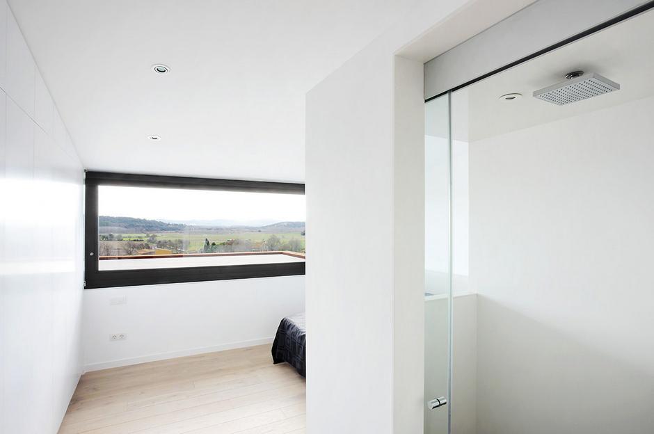 Сказочный минимализм многоступенчатого дома: фотообзор