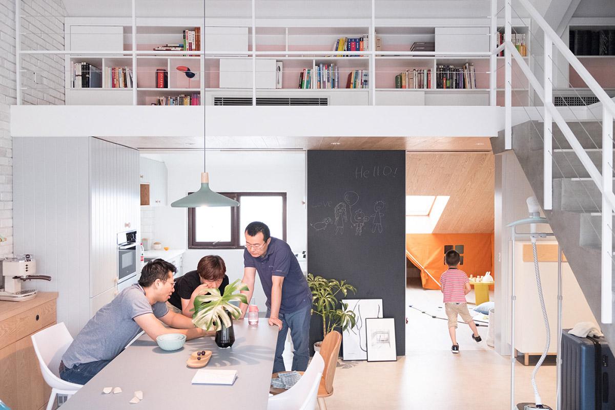 Яркий и современный дом в Пекине: фотообзор интерьера