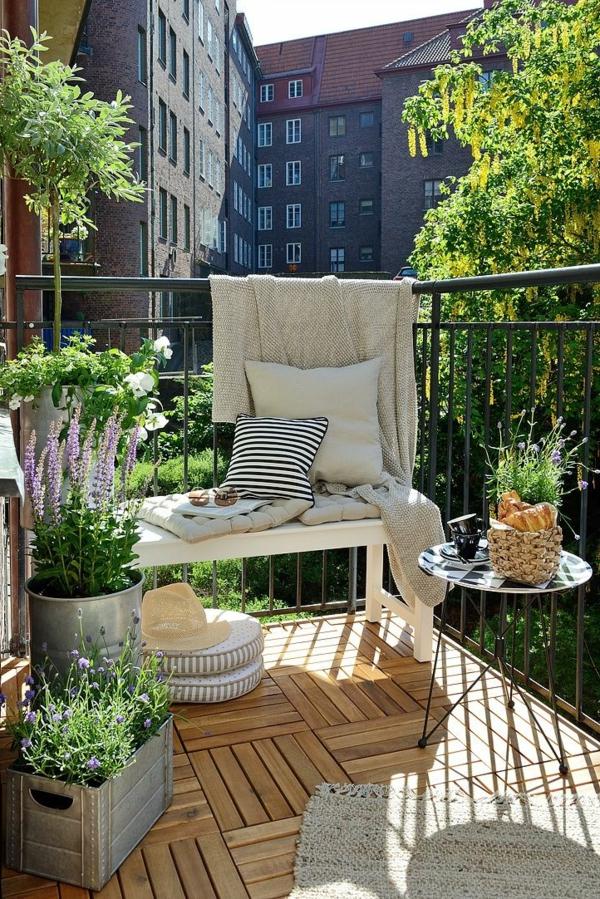 Как оформить маленький балкон: фото-советы