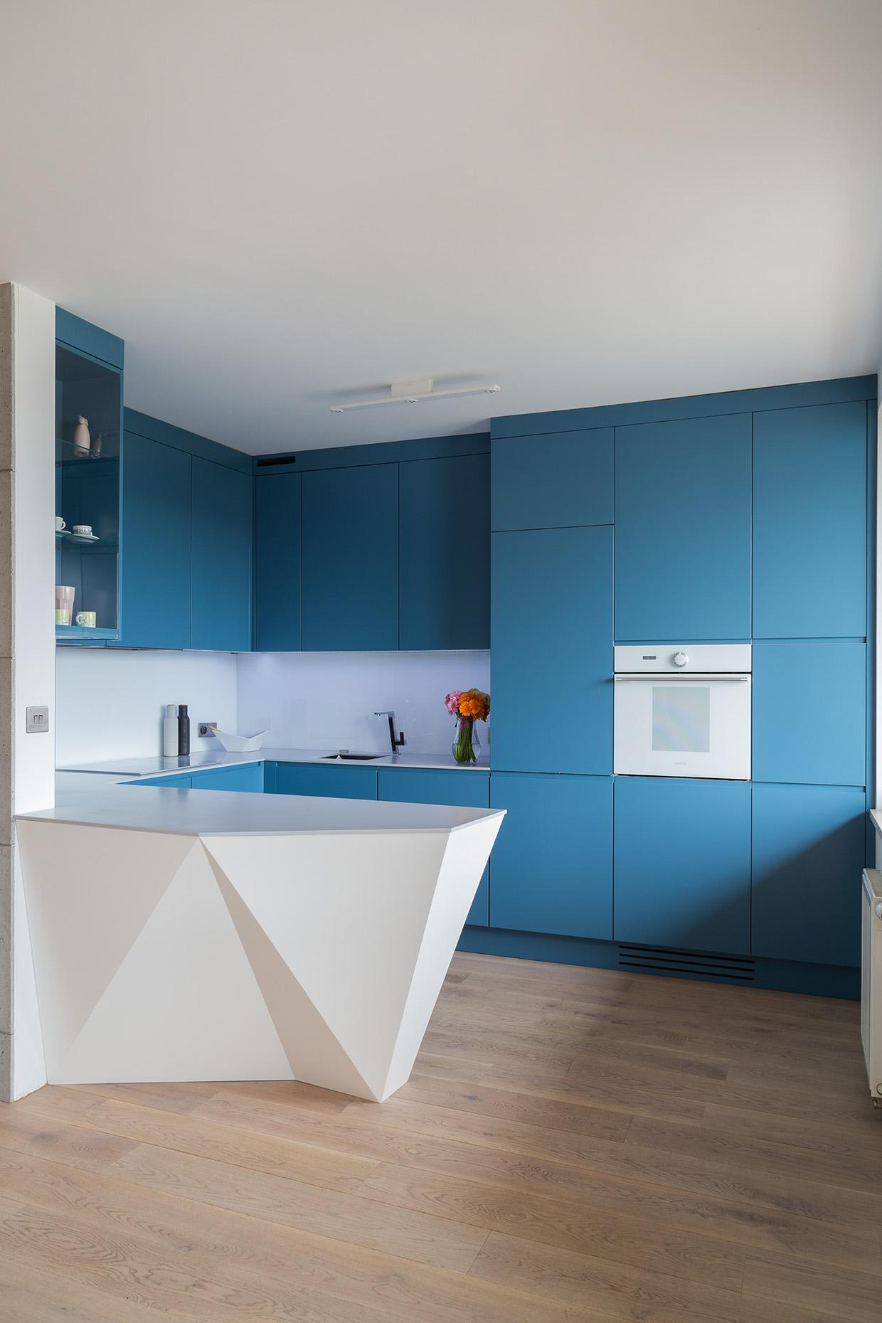 Великолепные Синие Кухни: фото-коллекция стильных интерьеров