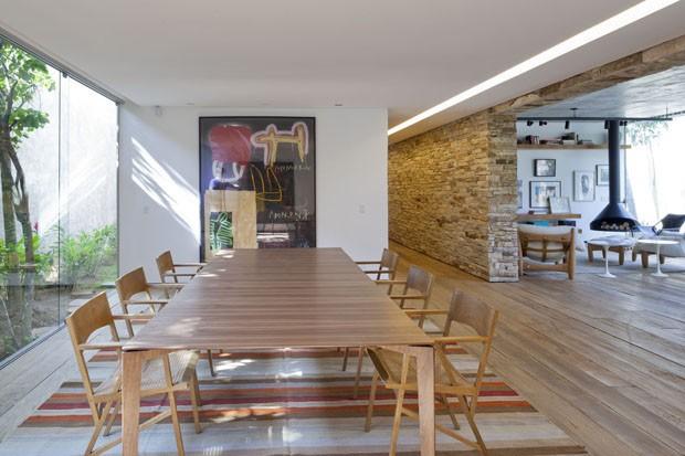 Красивый бразильский дом, построенный вокруг дерева: фотообзор