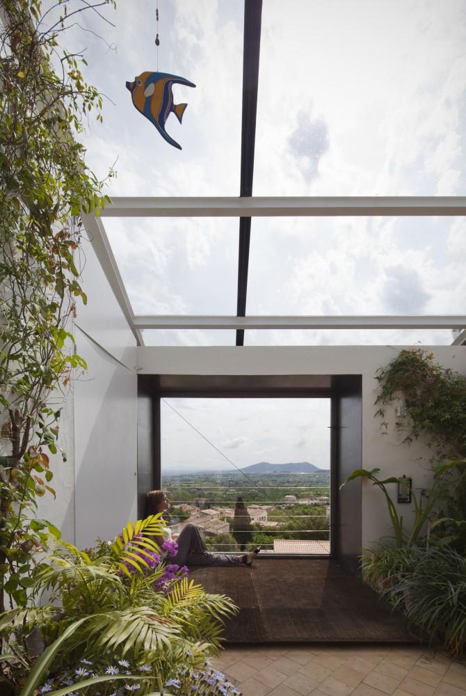 Испанский Дом в окружении природы: Фотообзор