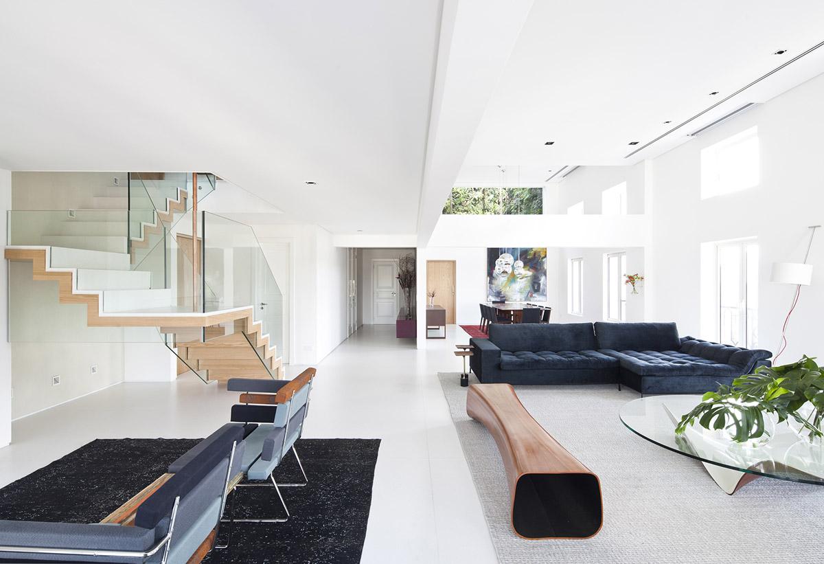 Роскошный дом для работы и отдыха: Фотообзор пространства класса люкс