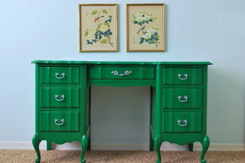 8 бюджетных способов обновить старую мебель