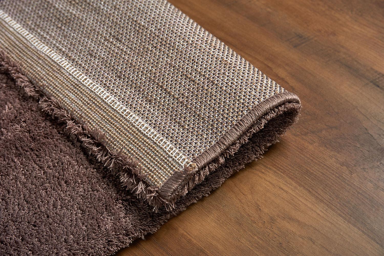 Преимущества бытовых напольных ворсовых ковров