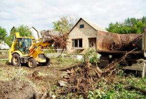 Расчистка участка от деревьев и кустарников: основные этапы работы
